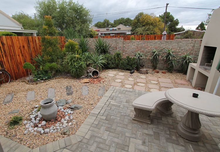 Garden Area with Braai