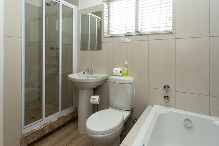 1 Bedroom Chalet - Bathroom